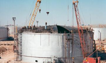 Замена щитов кровли резервуара объемом 20 тыс. м3